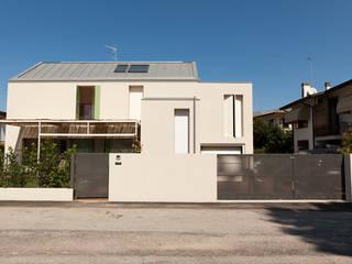 Minimalist house by Bongiana Architetture Minimalist