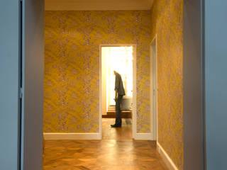 Classic corridor, hallway & stairs by Bongiana Architetture Classic