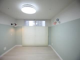 Chambre d'enfant moderne par dall & style Moderne