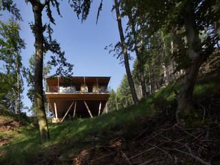 Haus im Bergwald Ausgefallene Häuser von U1architektur Ausgefallen