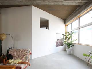 Hiên, sân thượng phong cách hiện đại bởi 今津修平/株式会社MuFF Hiện đại