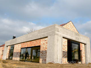 Dom : styl , w kategorii Domy zaprojektowany przez modern studio architektury maciej rempalski