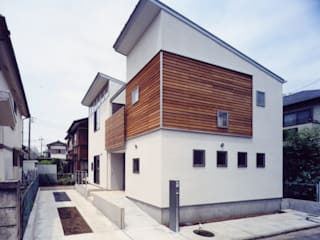 Casas de estilo  de 池野健建築設計室,