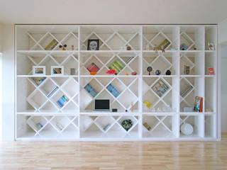 西葛西のリノベーション 高田博章建築設計 モダンな 壁&床 木 白色