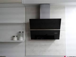 Beton architektoniczny w kuchni i jadalni Nowoczesna kuchnia od Luxum Nowoczesny