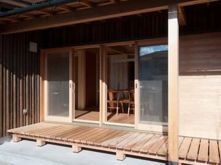 Terrasse de style  par shu建築設計事務所