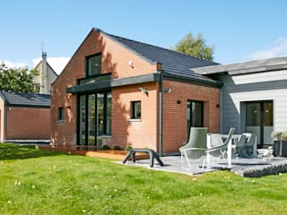 Casas de estilo minimalista de Emilie Bigorne, architecte d'intérieur CFAI Minimalista