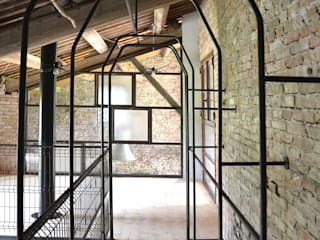 Country style corridor, hallway& stairs by Bongiana Architetture Country