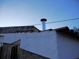 JOÃO SANTIAGO - SERVIÇOS DE ARQUITECTURA Casas de estilo rústico Metal Blanco