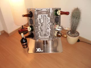 Das Weinregal für die Autobegeisterten!: industriell  von Klauck-Design,Industrial