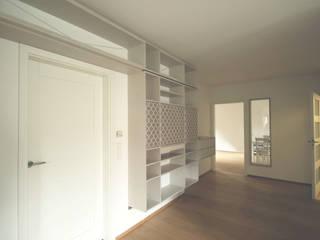 Wohnwand von Möbelwerkstatt Cadot Skandinavisch