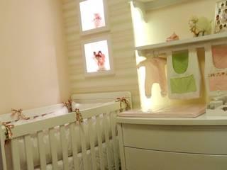 Dormitorios infantiles de Square Arquitetura Ecléctico