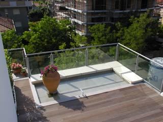 Varandas, alpendres e terraços minimalistas por Paolo Briolini Architettura Minimalista