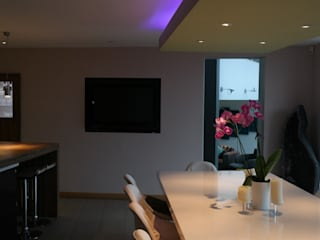 Rose Retreat Modern Kitchen by Design Studio Architects Modern