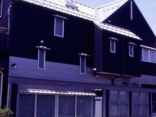道路側外観。: 酒井光憲・環境建築設計工房が手掛けた家です。