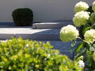 PROJEKT # 156 Moderner Garten von frei[RAUM]vision zeitgemäße Gartengestaltung am Bodensee Modern