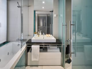 Silvia Costa | Arquitectura de Interiores Modern style bathrooms