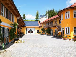 Unser Schauraum in Oberösterreich Moderne Häuser von First Class Holz GmbH Modern