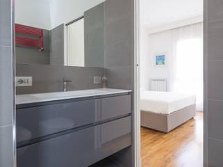 Baños de estilo moderno de Marcella Pane Moderno