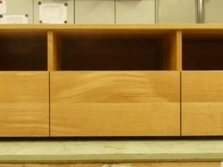 TV meubel:   door Atelier de Wig, Scandinavisch