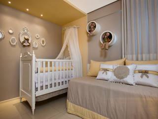 Quarto bebê: Quarto infantil  por Arquiteta Raquel de Castro,Minimalista