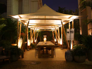 BAMBU CARBONO ZERO Jardines de estilo rústico