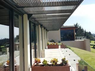 Terrazas de estilo  por Productos Cristalum , Moderno