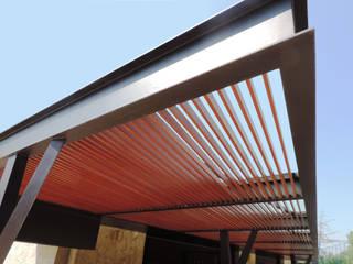 Moderner Balkon, Veranda & Terrasse von Productos Cristalum Modern