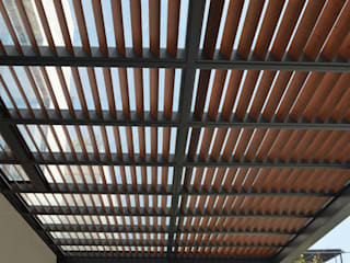 Pergolas Balcones y terrazas modernos de Productos Cristalum Moderno