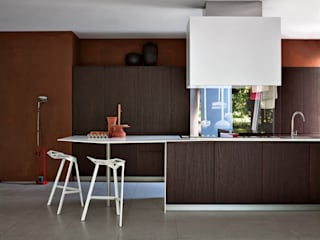 Modern style kitchen by Versat Modern