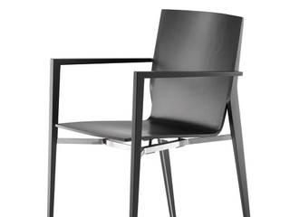 tendo: minimalistische Esszimmer von BRAUN Lockenhaus GmbH