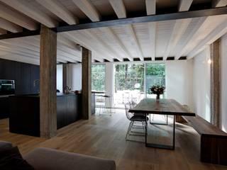 Loft Samp Sala da pranzo moderna di architetto Paolo Larese Moderno