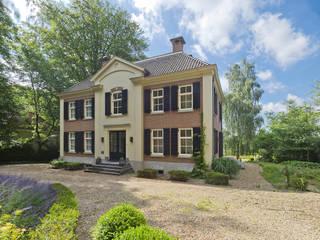 Friso Woudstra Architecten BNA B.V. Classic style houses
