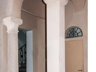 Klassieke gangen, hallen & trappenhuizen van STUDIO GUERRI Klassiek