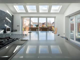 Elder House Modern Kitchen by Design Studio Architects Modern