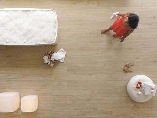 Cambiar el suelo con materiales sensación madera Comedores de estilo moderno de Azulejos Peña s.l. Moderno