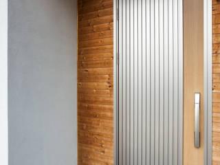 homify Moderne Fenster & Türen