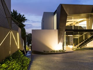 Kloof Road House Modern houses by Nico Van Der Meulen Architects Modern