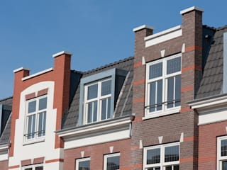 Classic style houses by Friso Woudstra Architecten BNA B.V. Classic