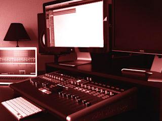 Untersatz DESKTOPP XXL zur Verstauung von DJ-Equipment: skandinavischer Multimedia-Raum von NSD New Swedish Design GmbH