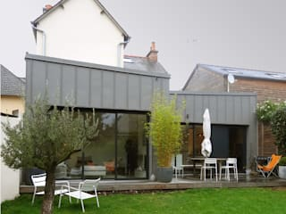 Modern houses by Briand Renault Architectes Modern