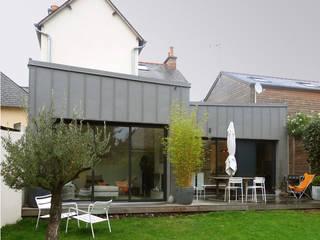 Casas modernas por Briand Renault Architectes Moderno