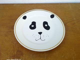 "Wandteller handbemalt ""Panda"":   von Tessa Rath Illustration"