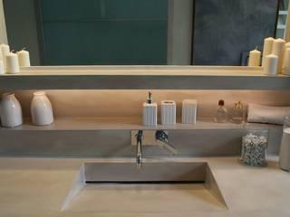 Bathroom by Resin srl, Modern