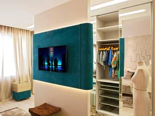 Phòng ngủ phong cách hiện đại bởi Interiores Iara Santos Hiện đại