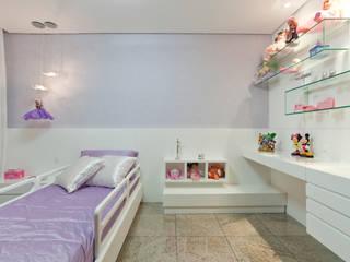 Quartos de criança modernos por Interiores Iara Santos Moderno