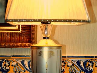 Candeeiro Mangani com cristais Swarovski:   por Gioconda design de interiores,Clássico