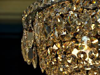Candeeiro de tecto em cristal austríaco:   por Gioconda design de interiores,Clássico