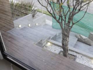 PASEO DE LAS CORDILLERAS 11, lomas de angelopolis Paredes y pisos de estilo moderno de bageti proyectos Moderno Cerámica