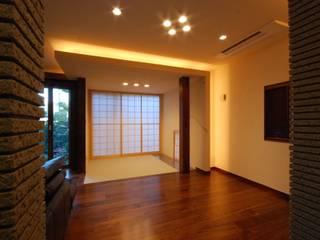 うらわの家 モダンデザインの 多目的室 の 株式会社 中村建築設計事務所 モダン